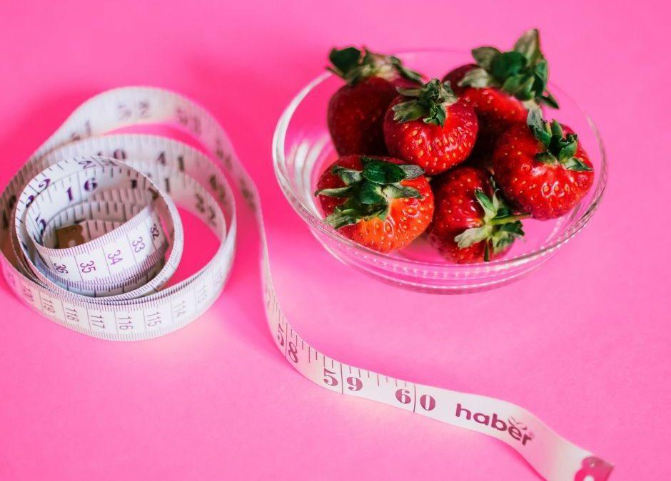 meetlint centimeter aardbeien gezonde voeding afvallen eetbuien